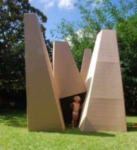 thumbs_aaalarch-marcus-trimble-australiano-ha-disegnato-e-messo-in-commercio-questo-moderno-castello-di-cartone
