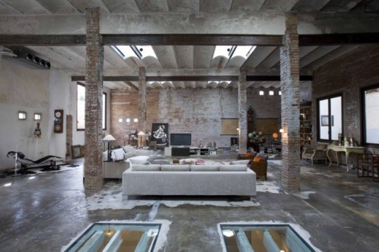 zlivingroomcrepe-Loft-in-Downtown-Barcelona-1-537x357