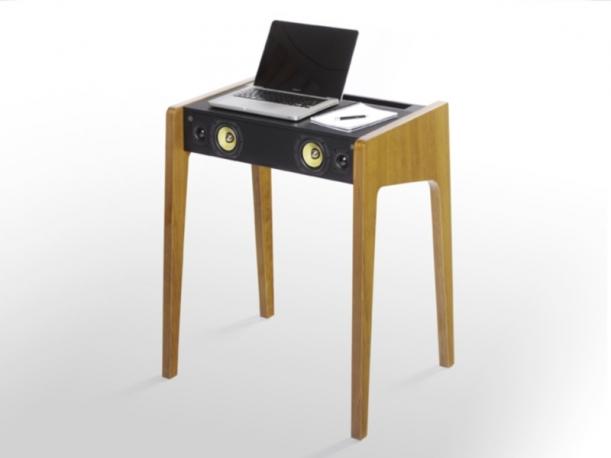 zzrivive-nel-vintage-scrittoio-del-900-rivisitato-ld-130-dove-ld-sta-per-laptop-dock