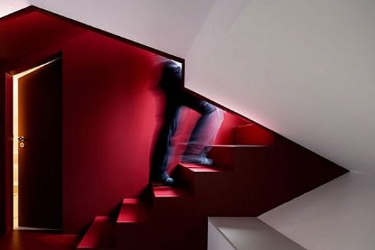 architettura Red-and-white-staircase-interior-decorating