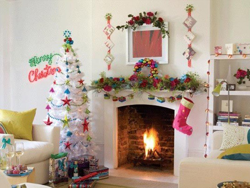 christmas-tree-interior-decorating-ideas-white-fireplace-800×600-best-picture-01