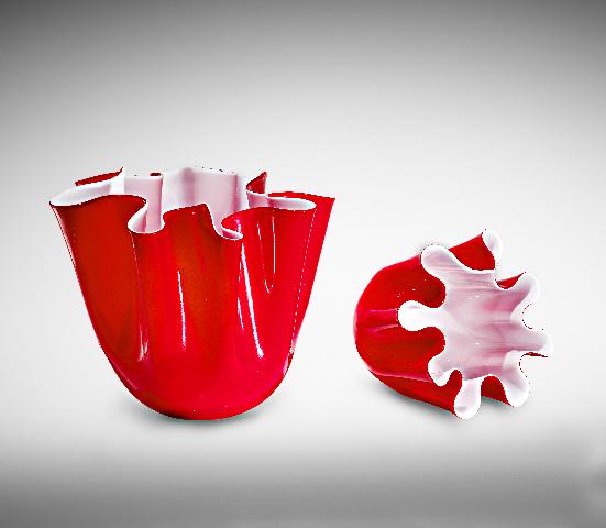 compl Murano Lab 1291 by Voltolina unisce la tradizione centenaria della lavorazione del vetro alla cricerca di un design moderno e contnuovi vasi Swing e Tociada