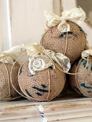 decorazioni palle-di-natale-polistirolo-shabby-chic juta + pizzo