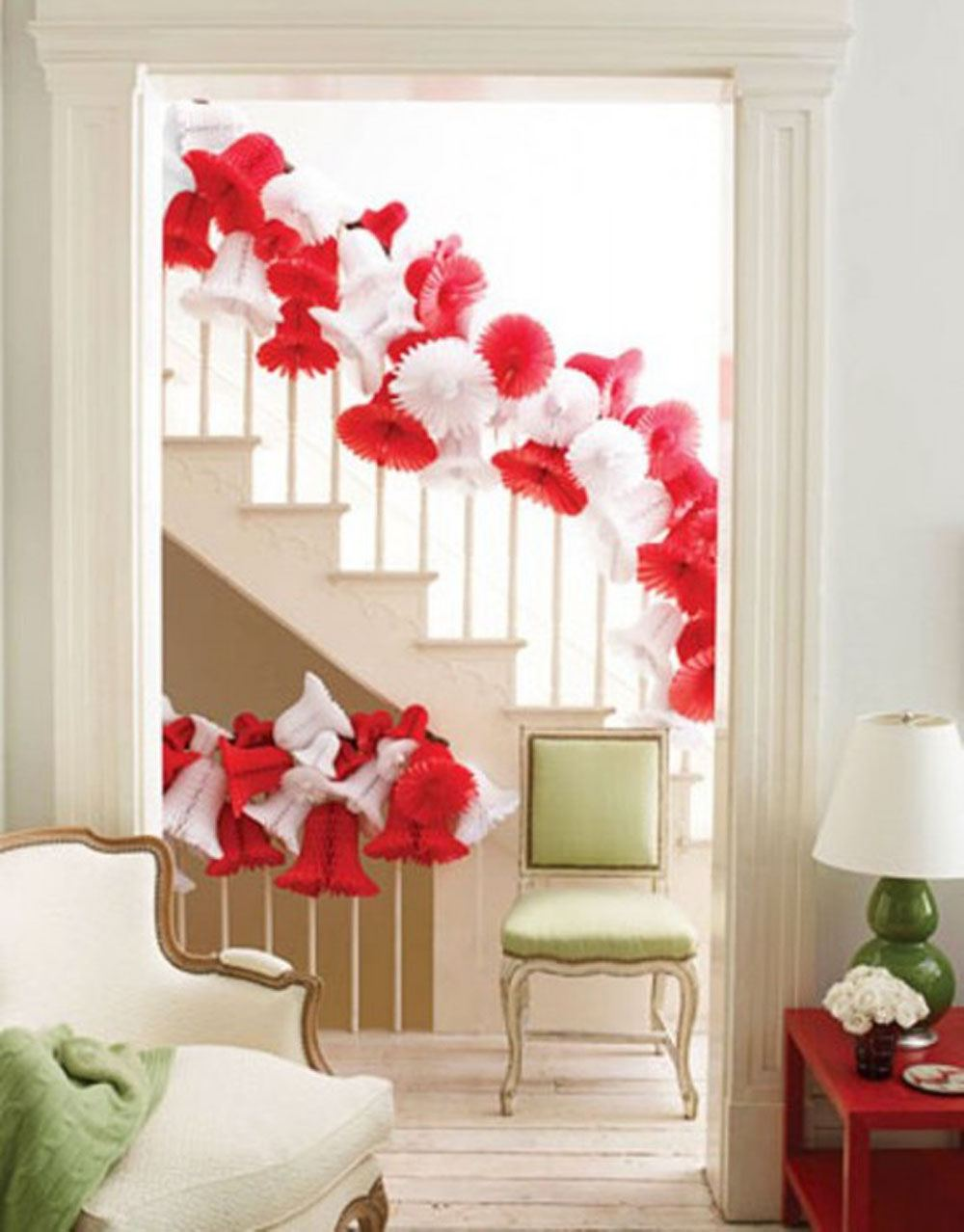 interior-picturesque-xmas-staircase-decoration-with-red-and-white-christmas-ornaments-enthralling-xmas-decorating-ideas-for-memorable-christmas