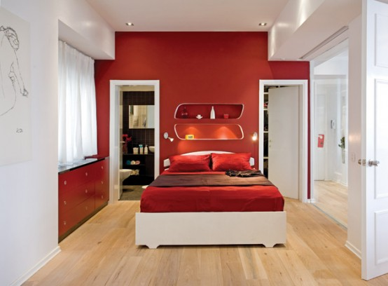 letto rosso in camera da letto accende la passione