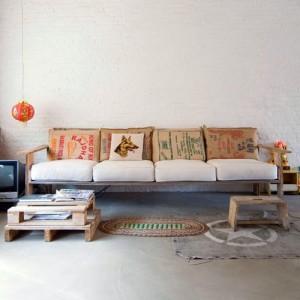 salotto divano pallet e sacchi juta divano