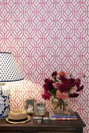the pretty posey trellis wallpaper in pink ginger by anna spiro for porter's paints