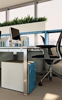 .accessori Dieffebi presenta al Salone del Mobile 2013 la nuova Mia Ped, cassettiera polifunzionale di Takiro Yuta, si trasforma agilmente in seduta per brevi riunioni