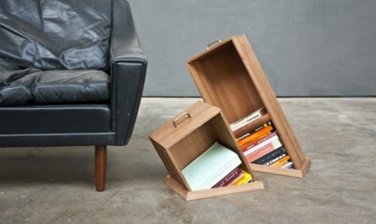 design creata dallo studio di design raw edges chiamate hole in the floor le originali librerie da pavimento