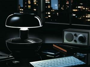 .lampada da tavolo joio con ricarica usb e svuotatasche