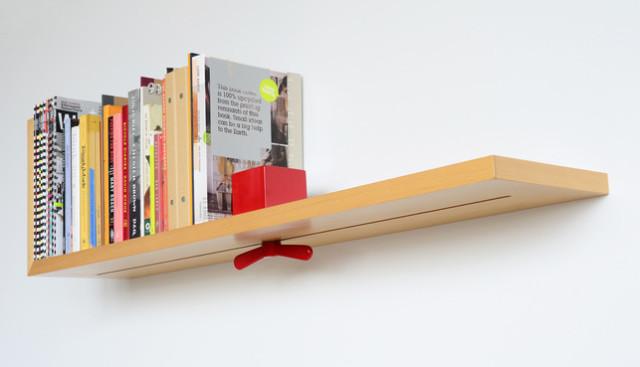 zmensola in legno con fermalibri incorporato hold on tight è stata realizzata da colleen e eric