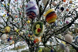L-albero-delle-uova-di-Pasqua_imagelarge