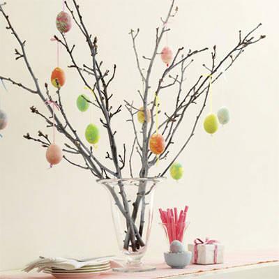 albero-con-uova-colorate