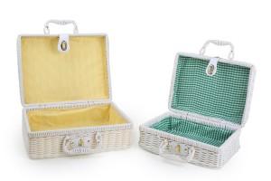 .amazon due graziose valige in vimini bianco rivestite da tessuto a quadretti colorato