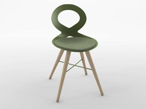 asalone studio zetass firma la nuova seduta valli realizzata in alluminio pressofuso dalle sezioni sottilissime e ispirata al nastro di moebius simbolo dell'infinito