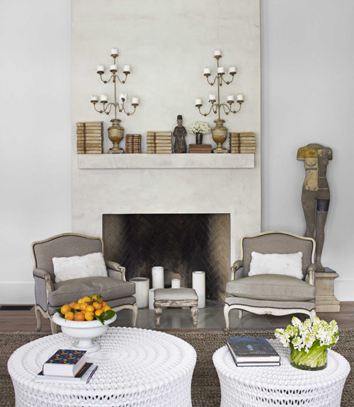 interno Myra Hoefer-french-modern-fireplace