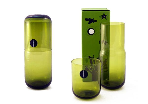 complementiideale per il comodino la caraffa il cui tappo diventa un comodo bicchiere per bere la notte night di memento a 29.24