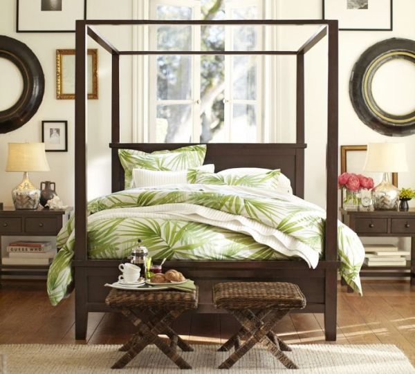 decorating-ideas-in-bedroom-green-bedding-palm-frond-pattern