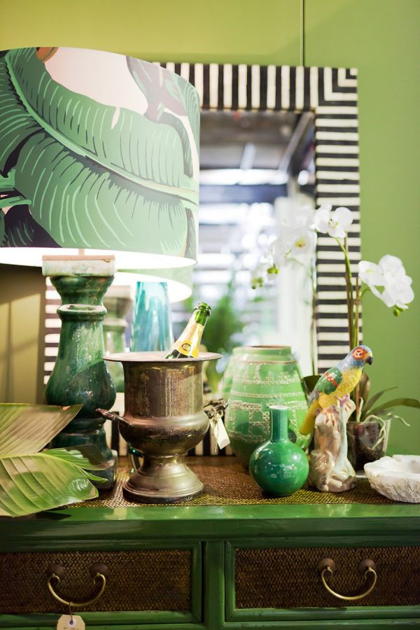 fresh-decorating-ideas-green-Wallpaper-pattern-palms