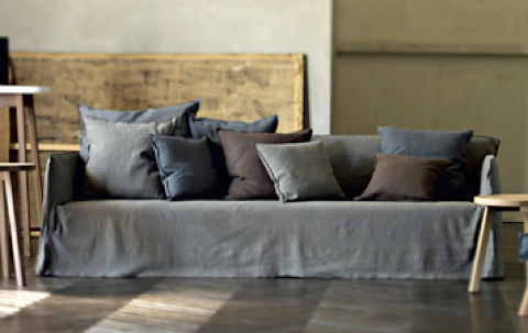 Divano ghost design Paola navone struttura sfoderabile in un secondo cambiando i cuscini si avrà un divano sempre diverso