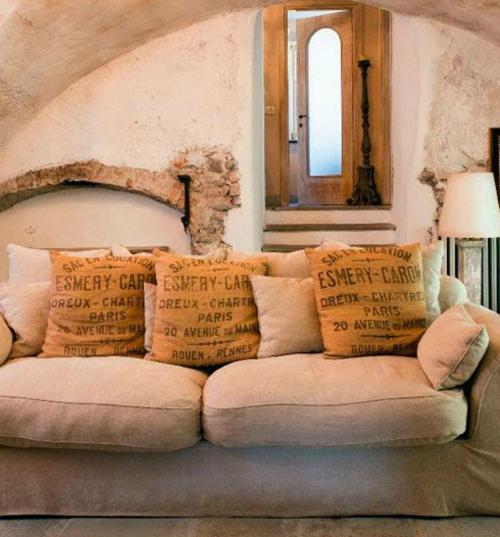 cuscini 5riciclo-creativo-juta-decorazioni-fai-da-te-casa-23
