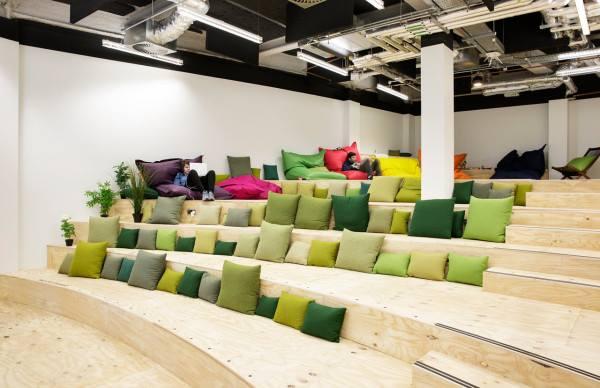 cuscini divani sala conf divani