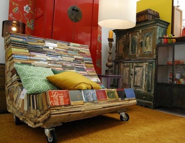 recupero7 divano-riciclando-vecchi-libri