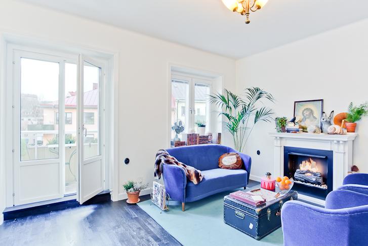 8 suggerimenti per realizzare un divano divino low coast for Divano velluto blu