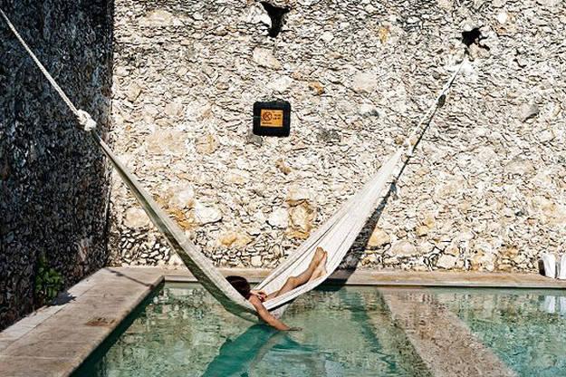 amaca esterno Questa piscina e questa amaca si trovano nell Yucatan, ma potrebbero trovarsi ovunque, basta avere a disposizione un'amaca e una piscina