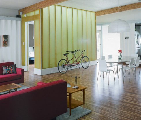 appoggiata alla parete storage-cycle-parking-living-room-decorating-ideas