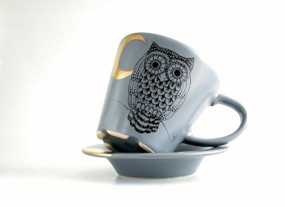 cucina tazza decorata a mano con dettagli in oro con gufo