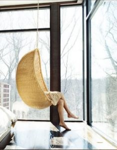 design swing chair must degli anni 60-70 Egg, della designer Nanna Jorgen Ditzel in midollino intrecciato