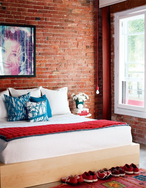 industriale colore naturale rossiccio impressive-bedrooms-with-brick-walls-29