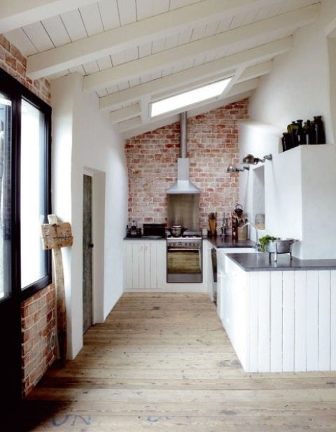 rustico cucina stylish-kitchens-with-brick-walls-and-ceilings-15