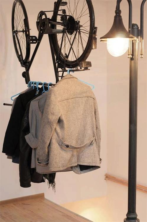 20corridoio bicicletta-attaccapanni-per-casa-upcycling-bicycle
