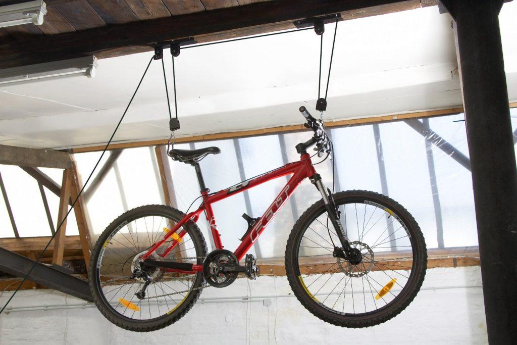 . AMAZON Masidef 9335800 Portabici Sollevatore per Bici a Soffitto 11.85€