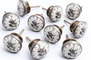 .amazon 43.62 Pomelli Alice nel Paese delle Meraviglie con faccia Bianconiglio da 42mm con finitura in argento antico, confezione da 10 pomelli