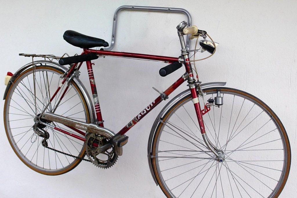 Tanti modi per arredare con le bici e rimanere in forma - Portabici in legno ...