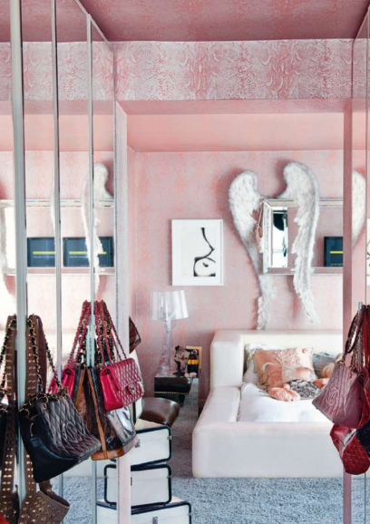 interno decorating-interior-with-angel-wings