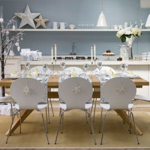 tavola frozen-winter-christmas-dining-room-table-decor