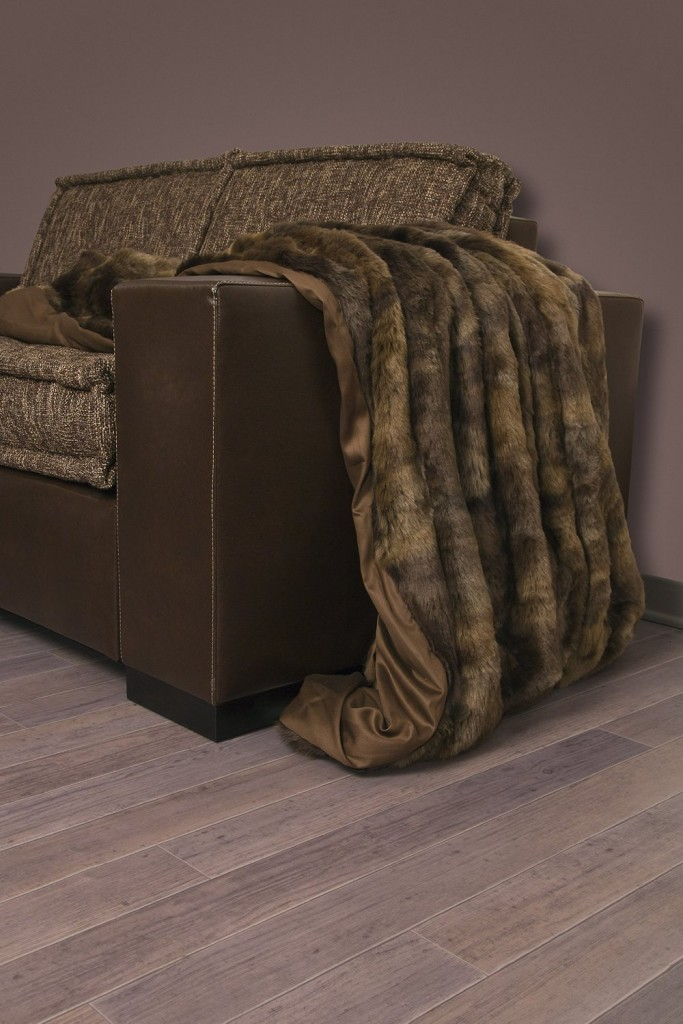 .amazon pr ricaldare il nostro divano di inverno PLAID PELLICCIA ECOLOGICA by Galbiati Produzione cm.145 x 195 modello LUPO color BROWN