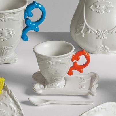 Set Tè I-wares Seletti stile baroco in porcellana e manico fluo