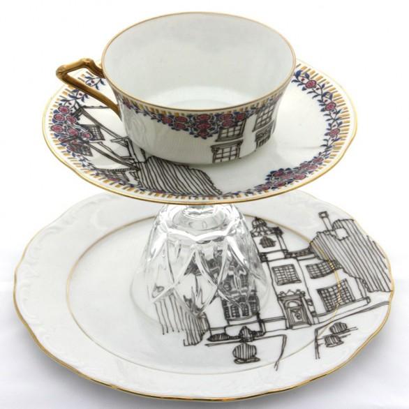 TAZZINA INGLESE Le porcellane di recupero di Esther Coombs illustratrice inglese che ama disegnare sulla ceramica di vecchi piatti e tazzine