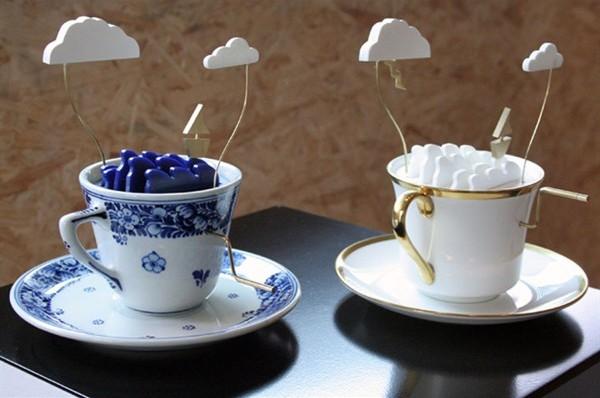 TAZZINA INGLESE le tazze da te carillon da tè Storm in a tea cup ci delizia con raffinatezza e poesia. Il designer John Lumbus del gruppo Laikingland