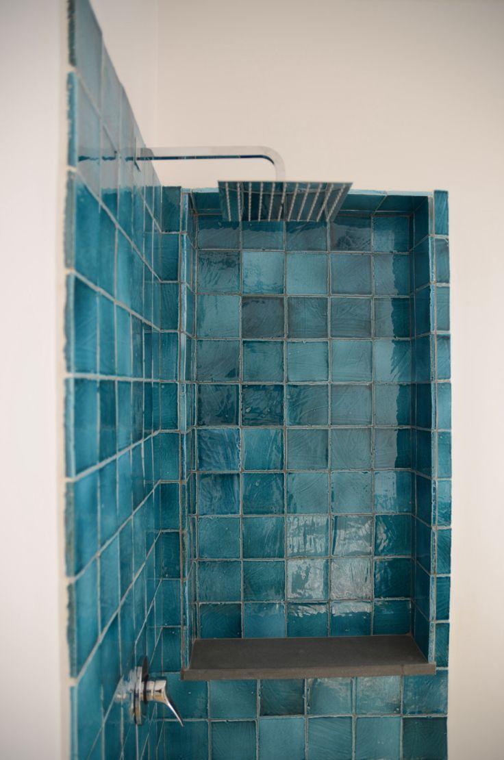 50 sfumature di azzurro blog arredamento for Piastrelle bagno turchese