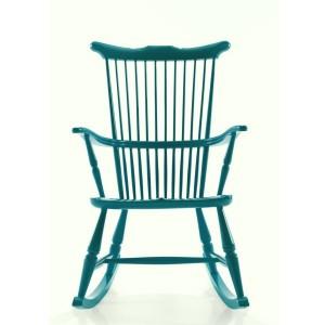 complemnti restyling con il colre la vecchia sedia a dondolo