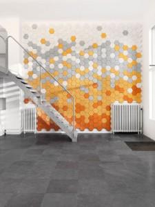 parete patiti dell'home decor, lo studio Form Us With Love ha creato per voi Hexagon dei piccoli pannelli fonoassorbenti, costituiti da scaglie di legno mescolate ad acqua e cemento