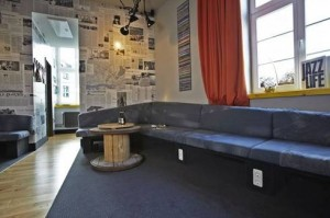 archietttura sustainable_hostel_hamburg_superbude_suite