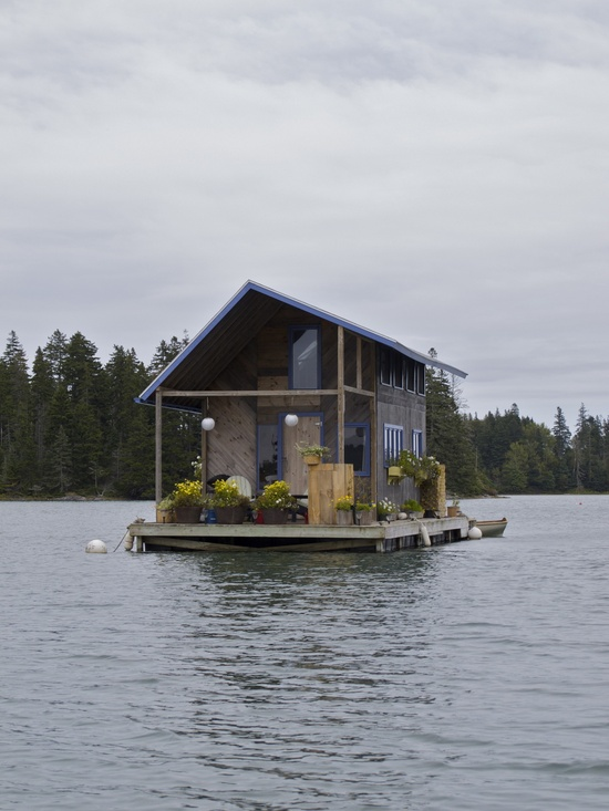 architettura hand built floating cabin in perry creek on the island of vinalhaven, maine