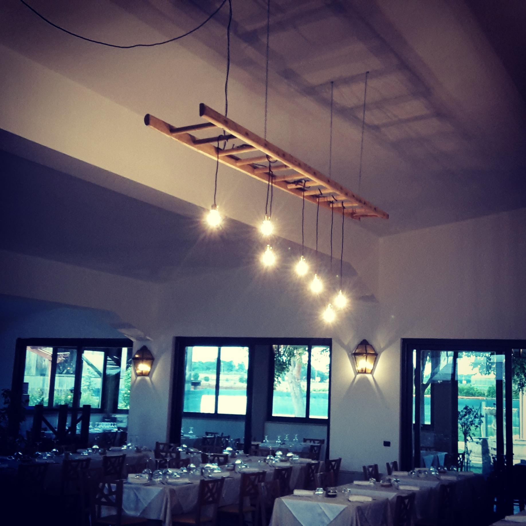 Lampade Soffitto Per Mansarde restyling low cost per il ristorante immerso nel verde - la